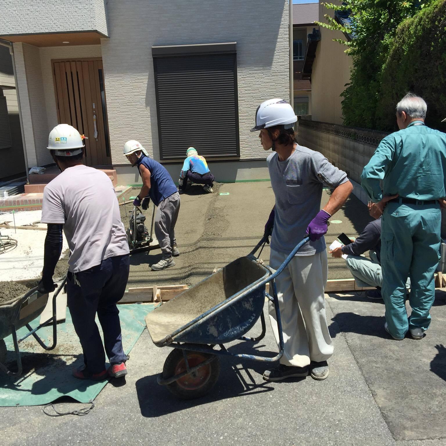 「コンクリート舗装は透水が標準の日本を創る」 エクステリア・住宅・外構・水たまり・施主