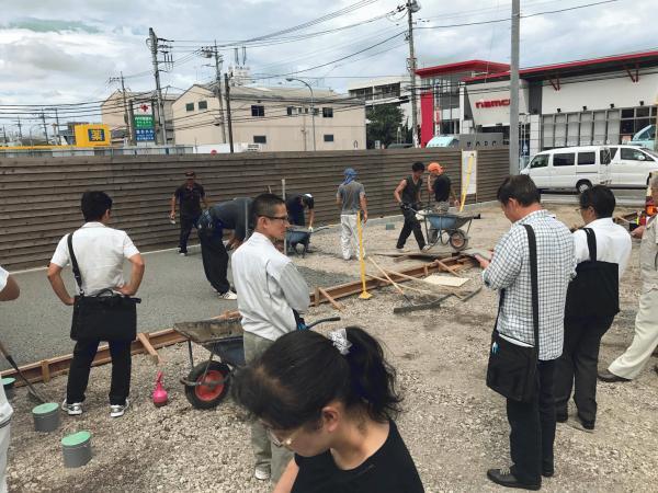 「もっともっと頑張ります」 横浜・透水・駐車場・大型・排水