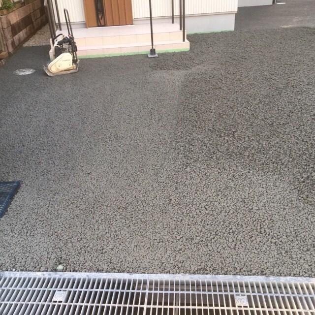 「【雨予報】【一人で施工】【15分で撤収】透水性コンクリートも半端ないって!!」