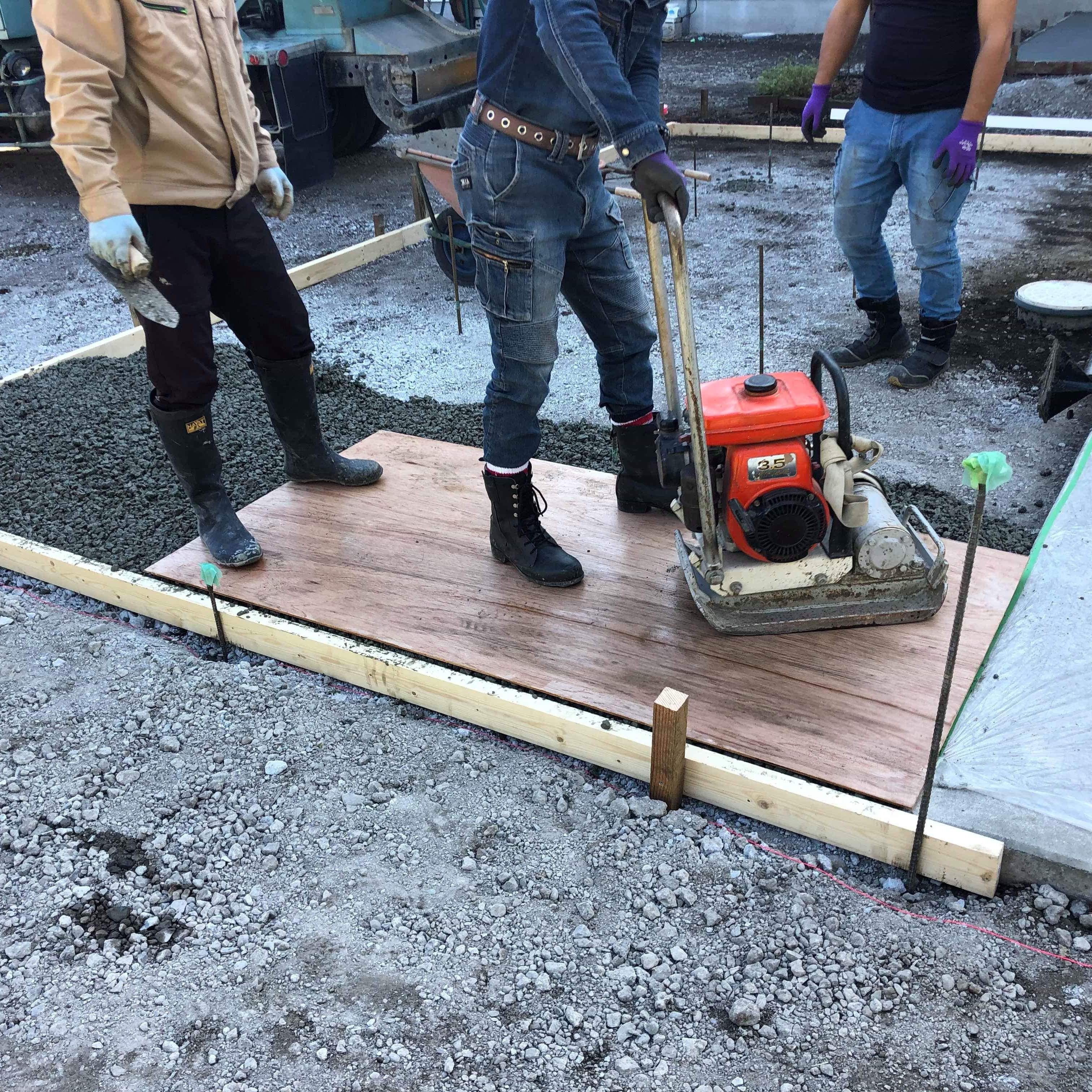 【静岡】「施工しないと取り残されます」「普通の生コンがバカらしくなる」プロの施工者に見出される透水性コンクリート