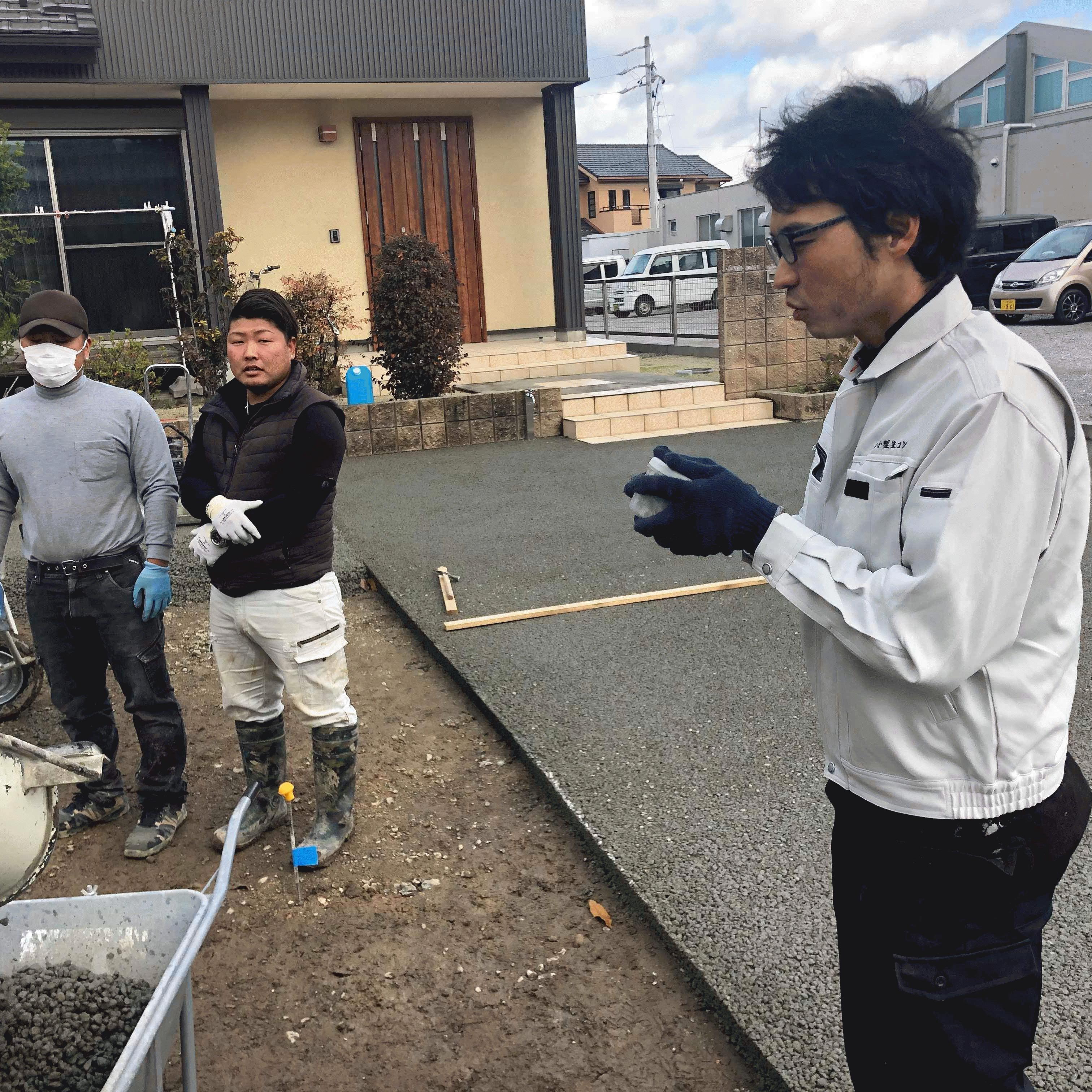 「5,000円/m2の水がたまらず草の生えない土間コンクリート」DIY施工指導員制度について