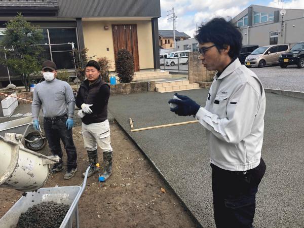 「6,250円/m2の水がたまらず草の生えない土間コンクリート」(DIY)施工指導員制度について