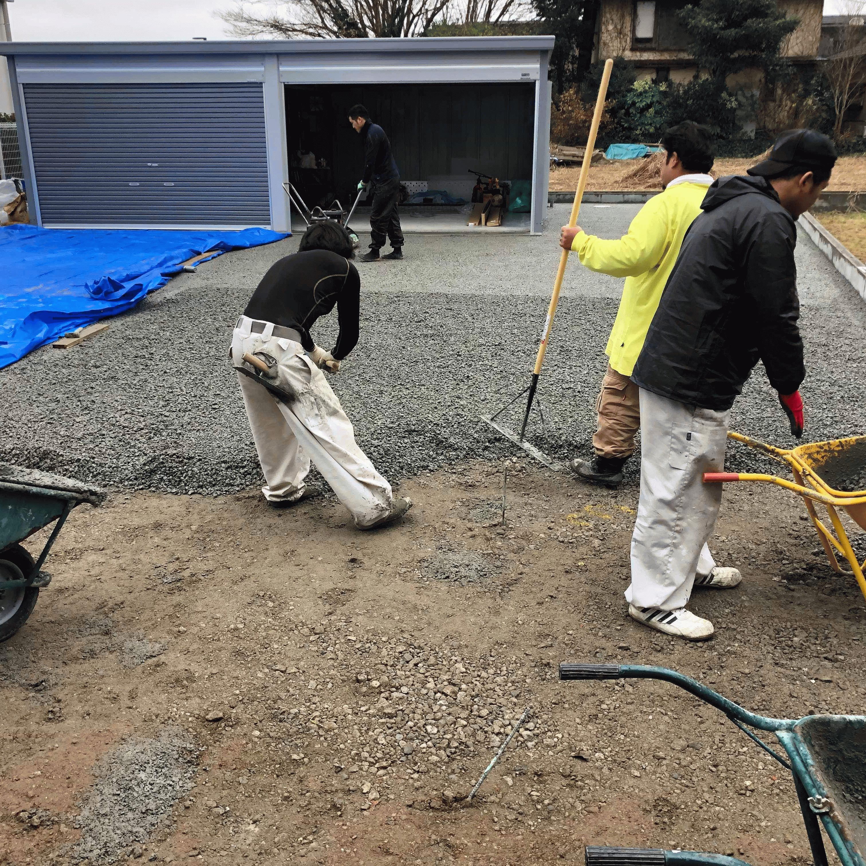 【千葉】「最近の素人はマジですごい」友達集めて150m2駐車場5人DIY・土間コン