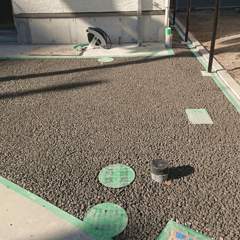 【東京】「アスファルトは歪む」「コンクリートは歪みません」建築外構舗装・轍(わだち)