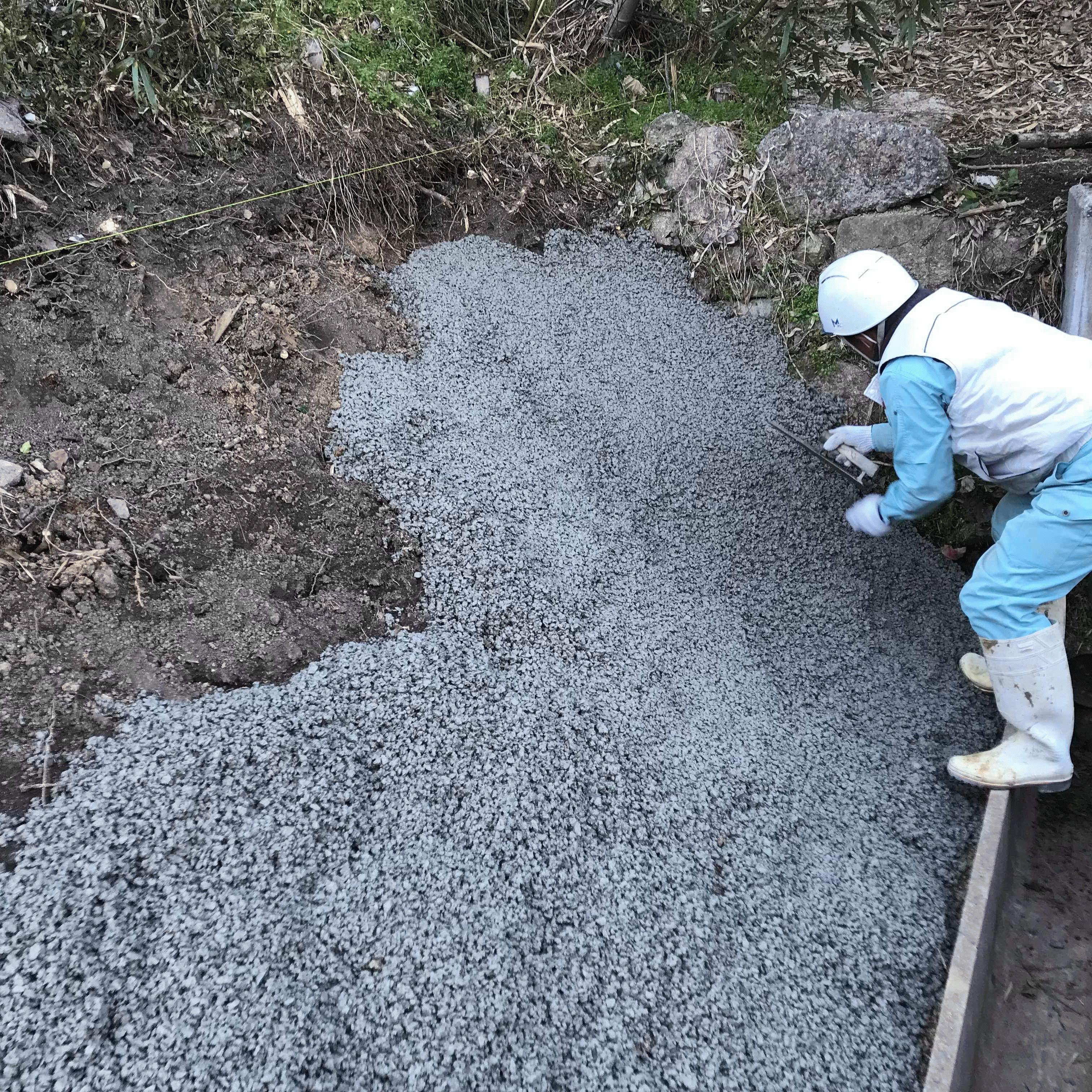 「逆に勾配がある場合でも透水性コンクリート!」残土発生抑制