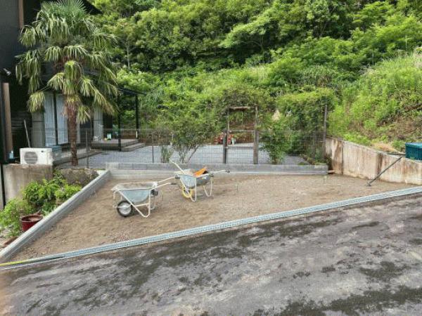 「材料は《高い》のにどうして《安い》駐車場になるの?」土間コン vs 透水性コンクリート