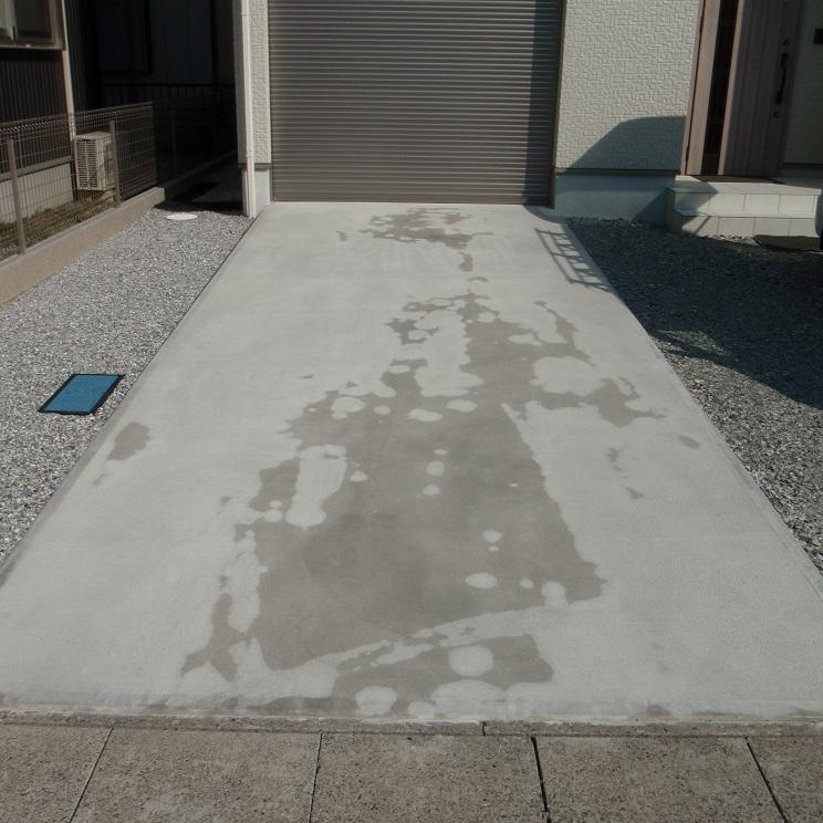 「土間コンクリートの色むらが消せる」 エクステリア・土間コン・色むら・カーポート・駐車場・コンクリート