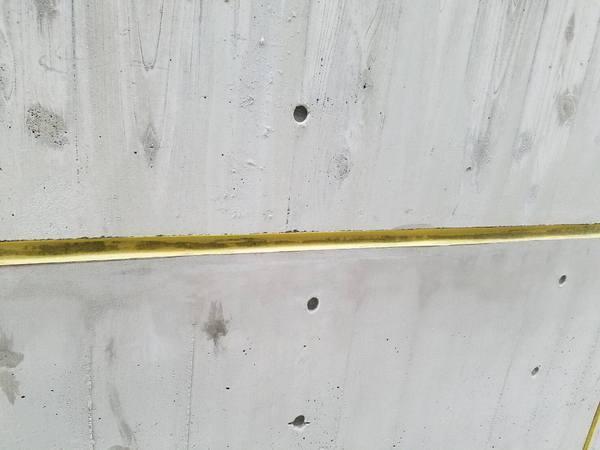 「日本最大級の専業プラットフォーム」 コンクリート・打ち放し・色合わせ・杉板・補修・砂筋・ピンホール・剥離