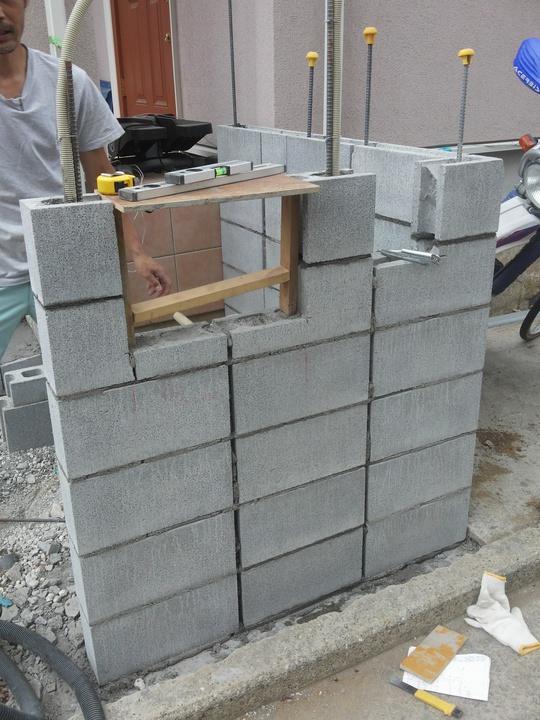 ブロック塀が杉板と浮造りでかっこよく画像1.jpg