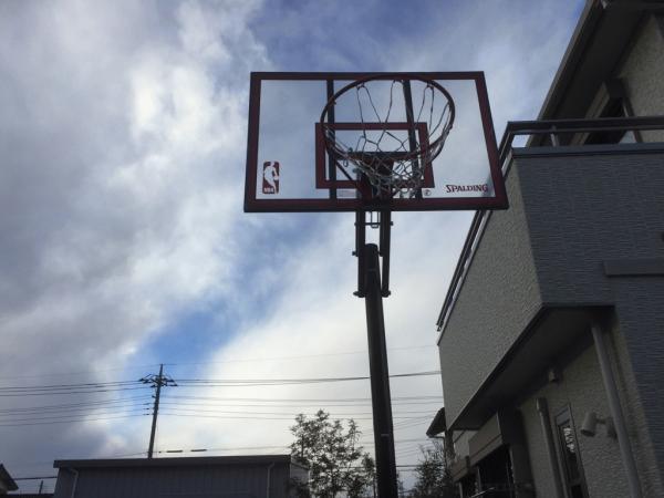 「生コン、バスケットボールの役に立つ!」 土間コン・吸音・耐久性
