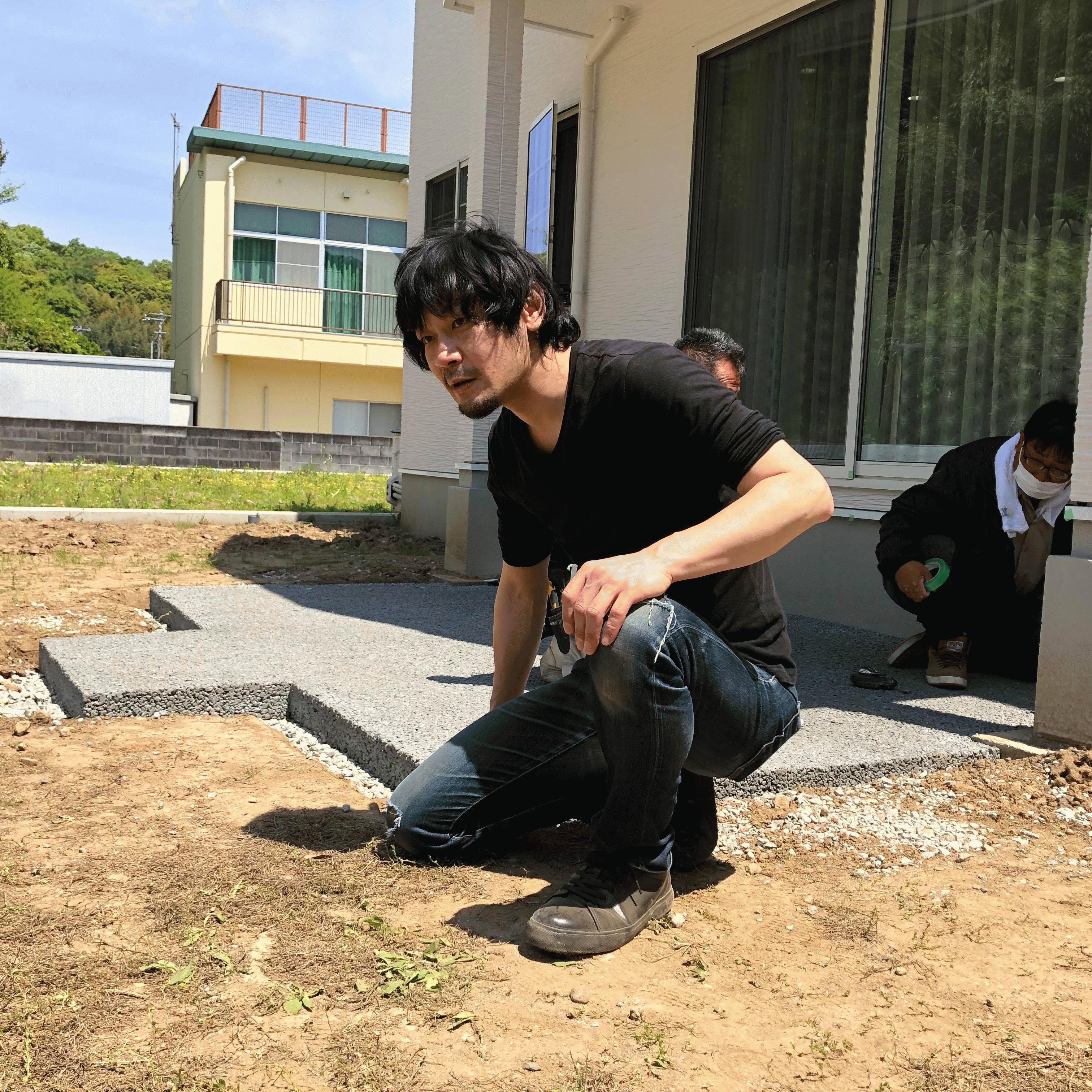 「俺から1つお願いがある。土台のコンクリートは透水性コンクリートにしてくれ」ウッドデッキDIYマニュアル(フェラーリ様邸DIY #3)