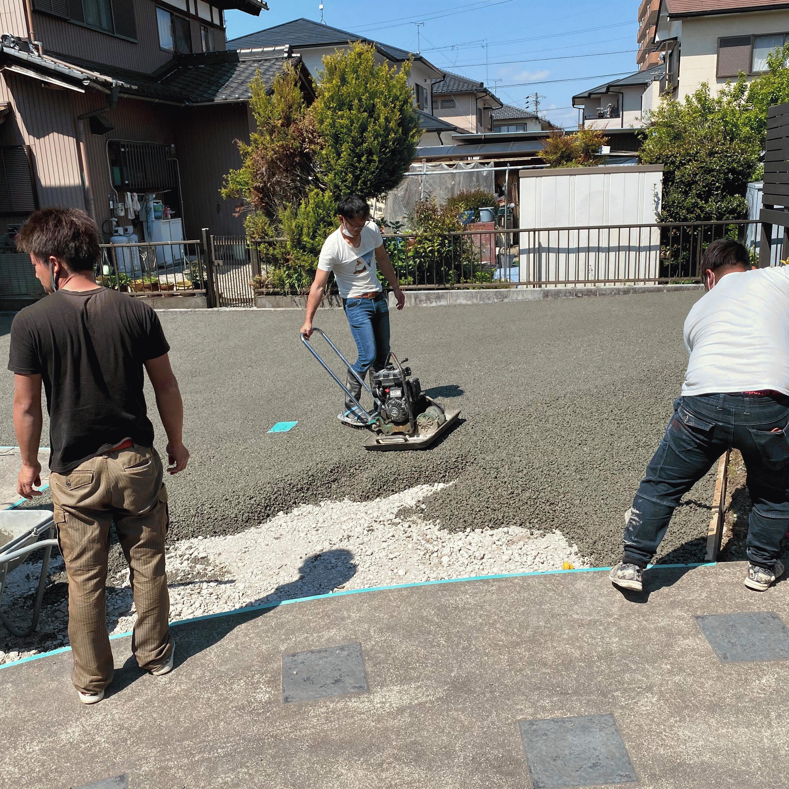 【岐阜】「Tシャツにジーパン、スニーカーで施工できる」駐車場・水はけ・排水・DIY