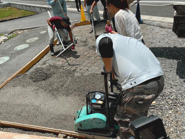 【静岡】「他人に勧める前にまず自分から」駐車場・+D Architects・藤枝生コン