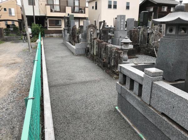 【埼玉】「アスファルトや土間コンよりも《早い》《安い》《楽》」除草・水はけ・維持メンテ・工期短縮・墓地供用通路