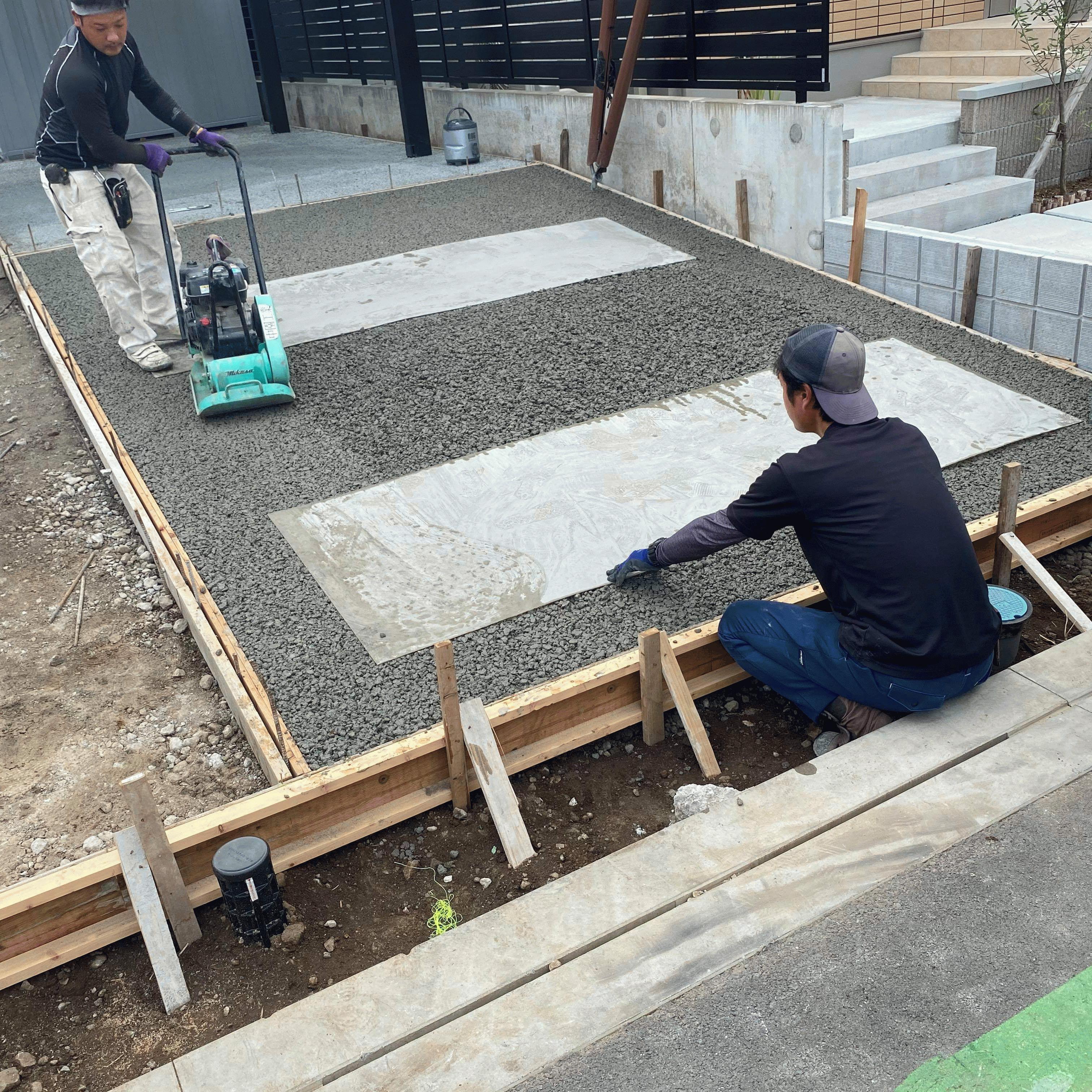 【静岡】「滑らんなあ」《防滑》《平ら》《雑草》中園工業