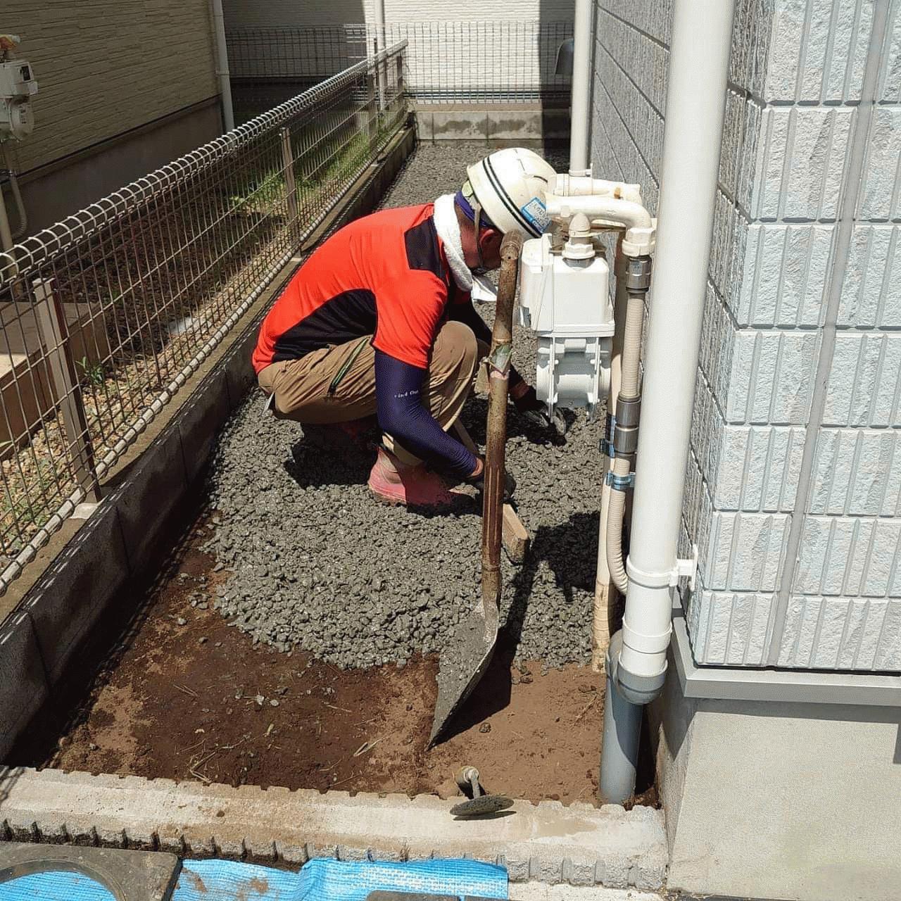 【東京】「鬼門《犬走り》だけでも《透水性コンクリート》にしておくだけでその後の人生はまるで違ったものになる」雑草・水はけ・都屋建材