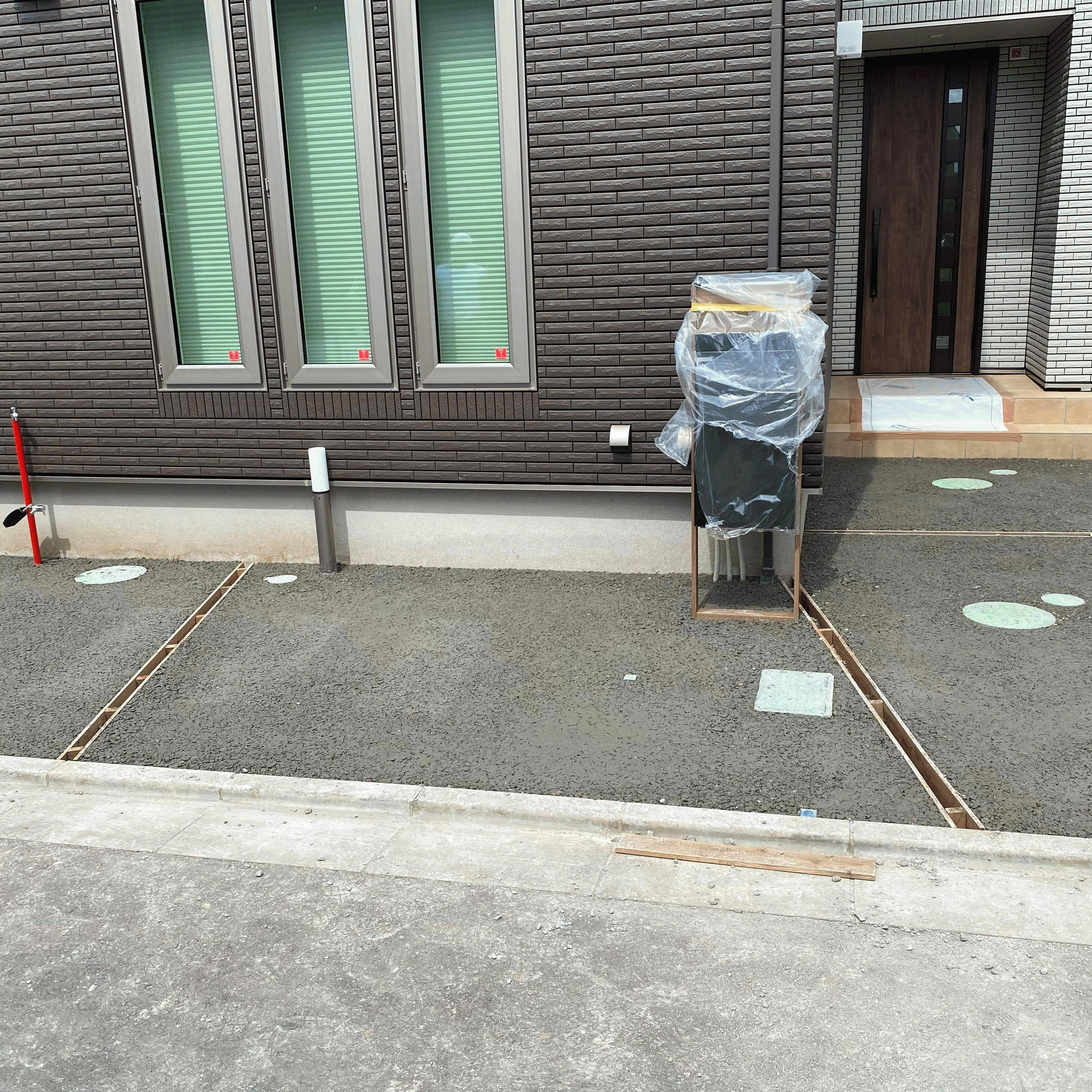 【千葉】「図面に書いてある《土間コン》ですが、透水性コンクリートに変更可能ですか?」サンクス・小林建材