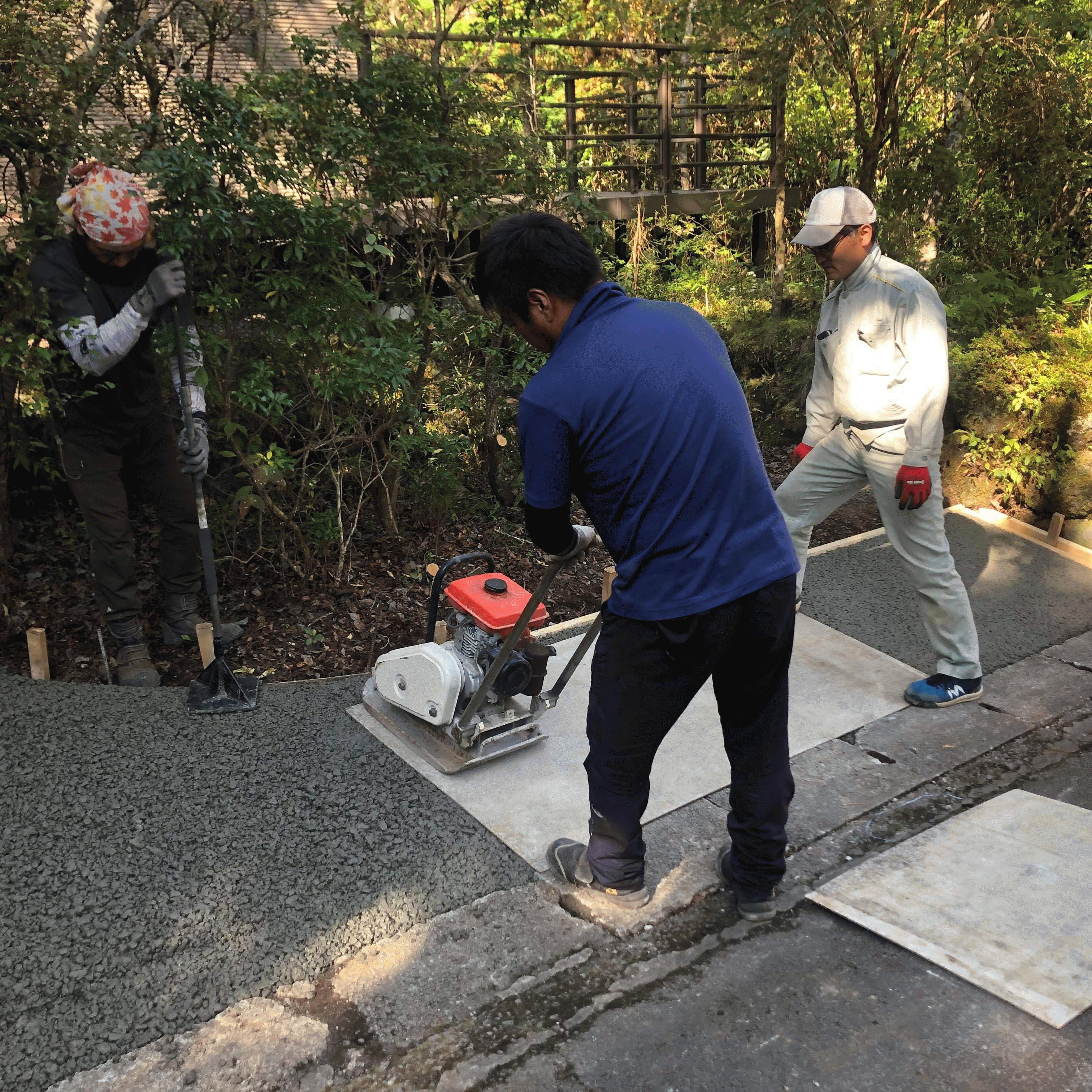 【静岡】「土間コンよりも、断然こっちが好き」「土間コンだと投光器つけて夜までかかる」富士西麓ガーデン