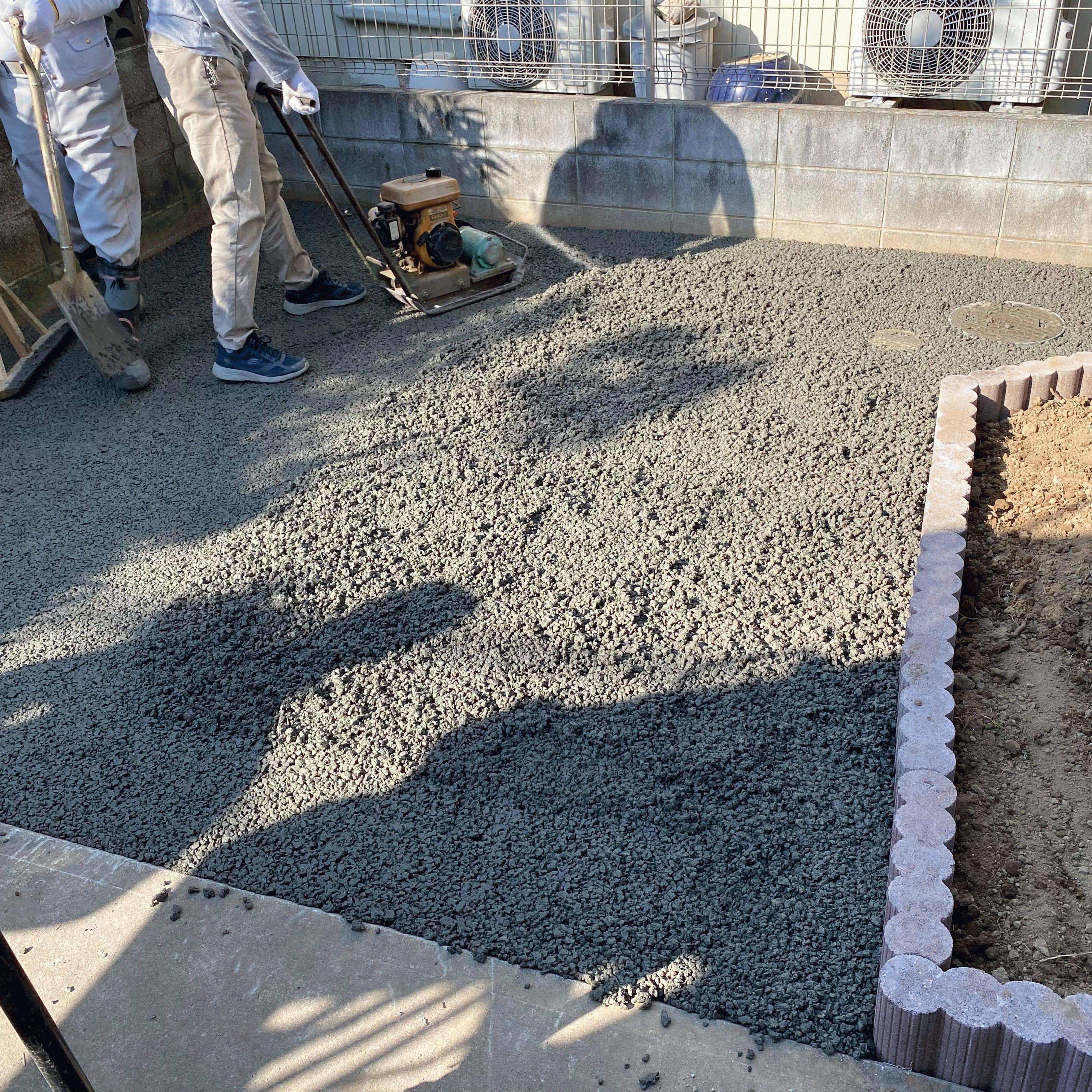 【埼玉】《草取り》から解放され《バスケ》の練習ができる庭「DIYで施工を計画」「砕石を敷き均す価格で」渋谷建材・エクテム