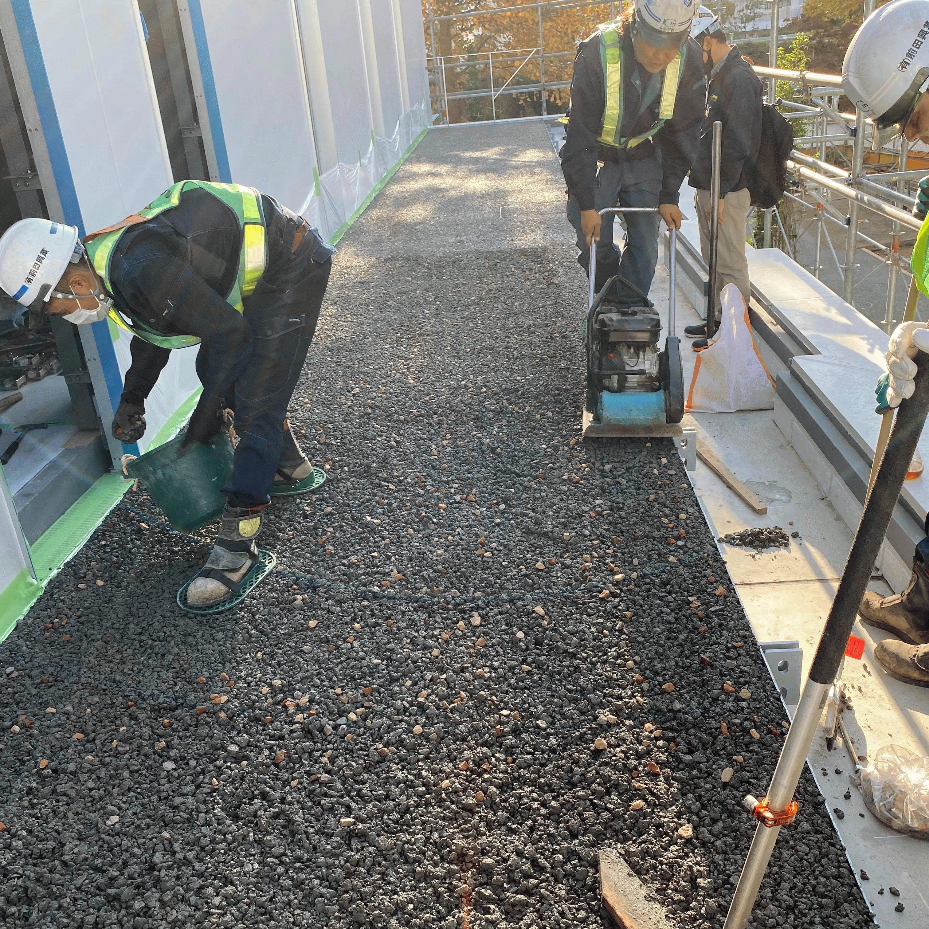 【東京】「透水性コンクリートが生コン屋さんの当たり前になったら?」岡庭建材工業・前田道路・隈研吾