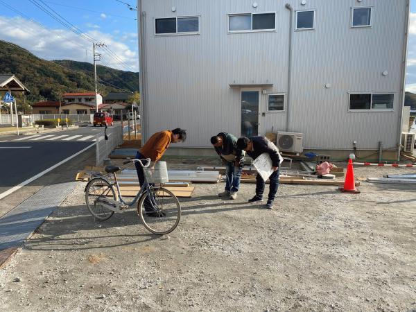 【静岡】「小島君、ありがとう。」《透水宣言》と《旧友からのLINE》コラボ企画!!(その8:サイクルポート組み立て)