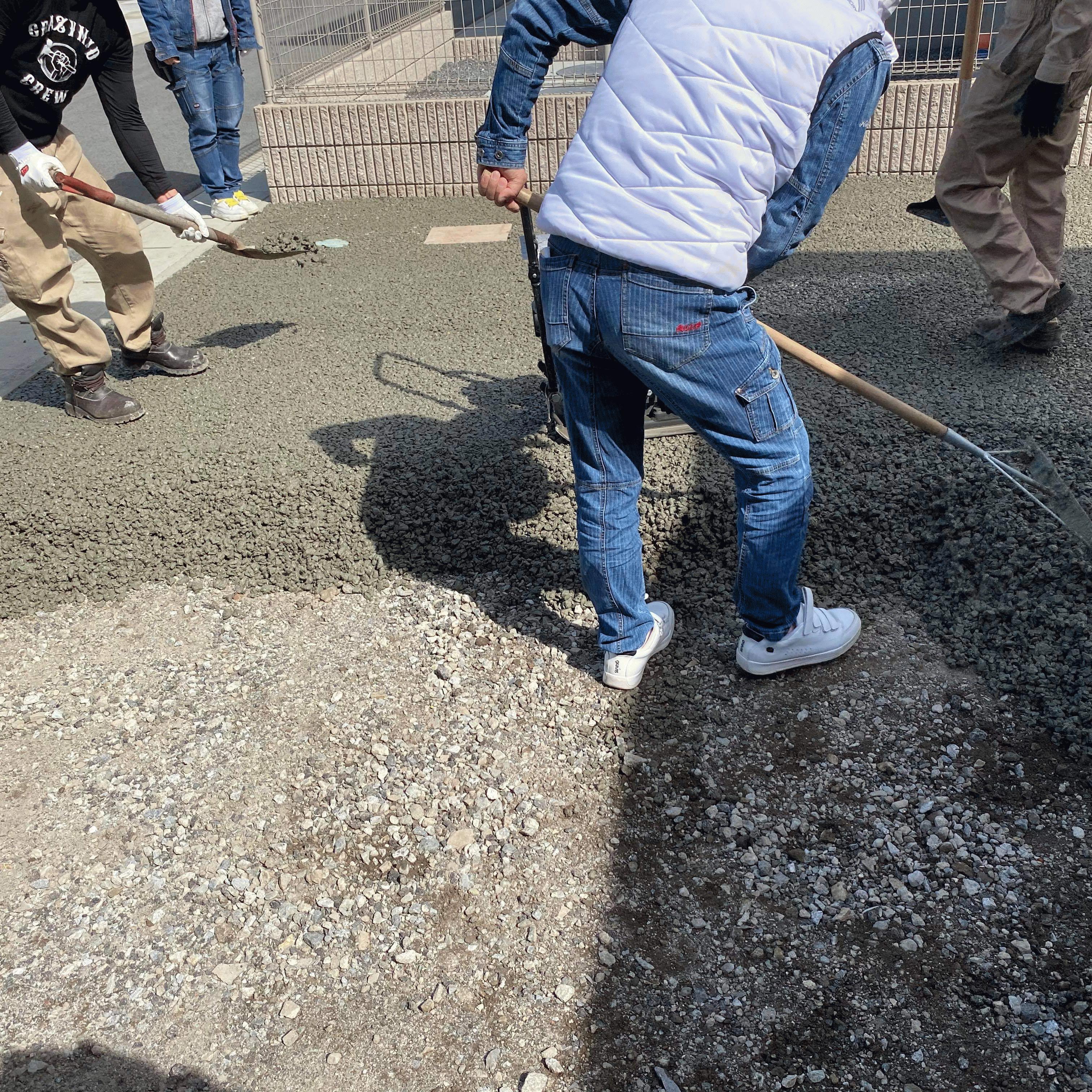 【熊本】「免許センターまでバックホーの資格を取りに行った」高野組・DIY