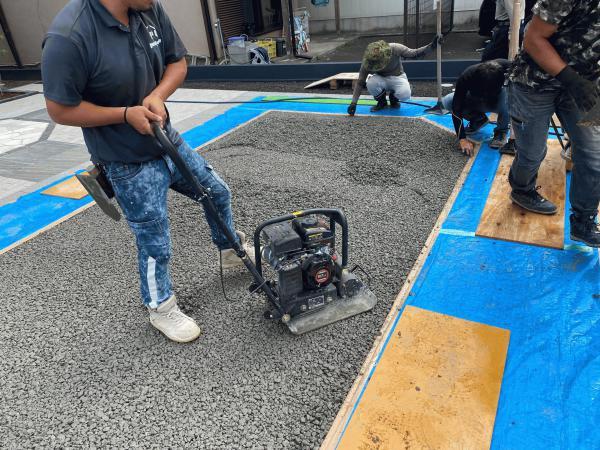 【静岡】「土間コンだと物足りない」「洗い出しなら水を通すドライテックで」大和ガーデン