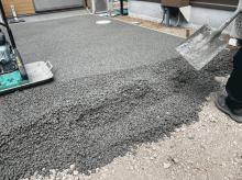 【東京】「建物横(犬走、サービスヤード)は兎角《排水》《雨水勾配》が課題になる」渋谷建材・オリジナルガーデン