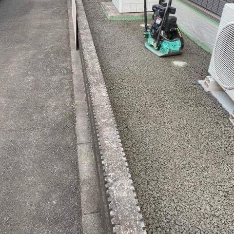 【群馬】「犬走のコンクリート舗装を断るような怪しからん施工業者対策」モトキ建材・DIY