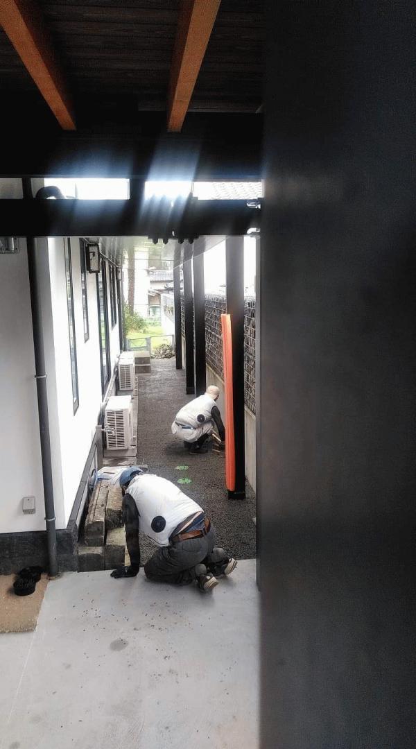 【静岡】「建物まわりの犬走、平らにしたい、排水がない、雑草対策。それなら?」鶴よし建設
