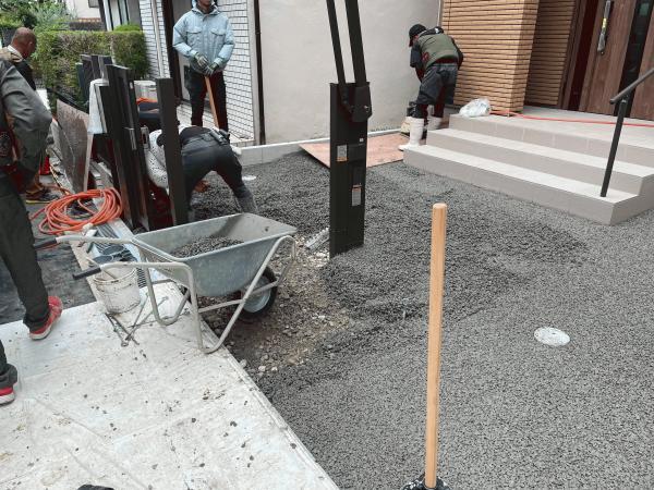 【大阪】「父さん、安全のためにアプローチと駐車場はドライテックにしようと思うんだ」サン生コン・OKカンパニー