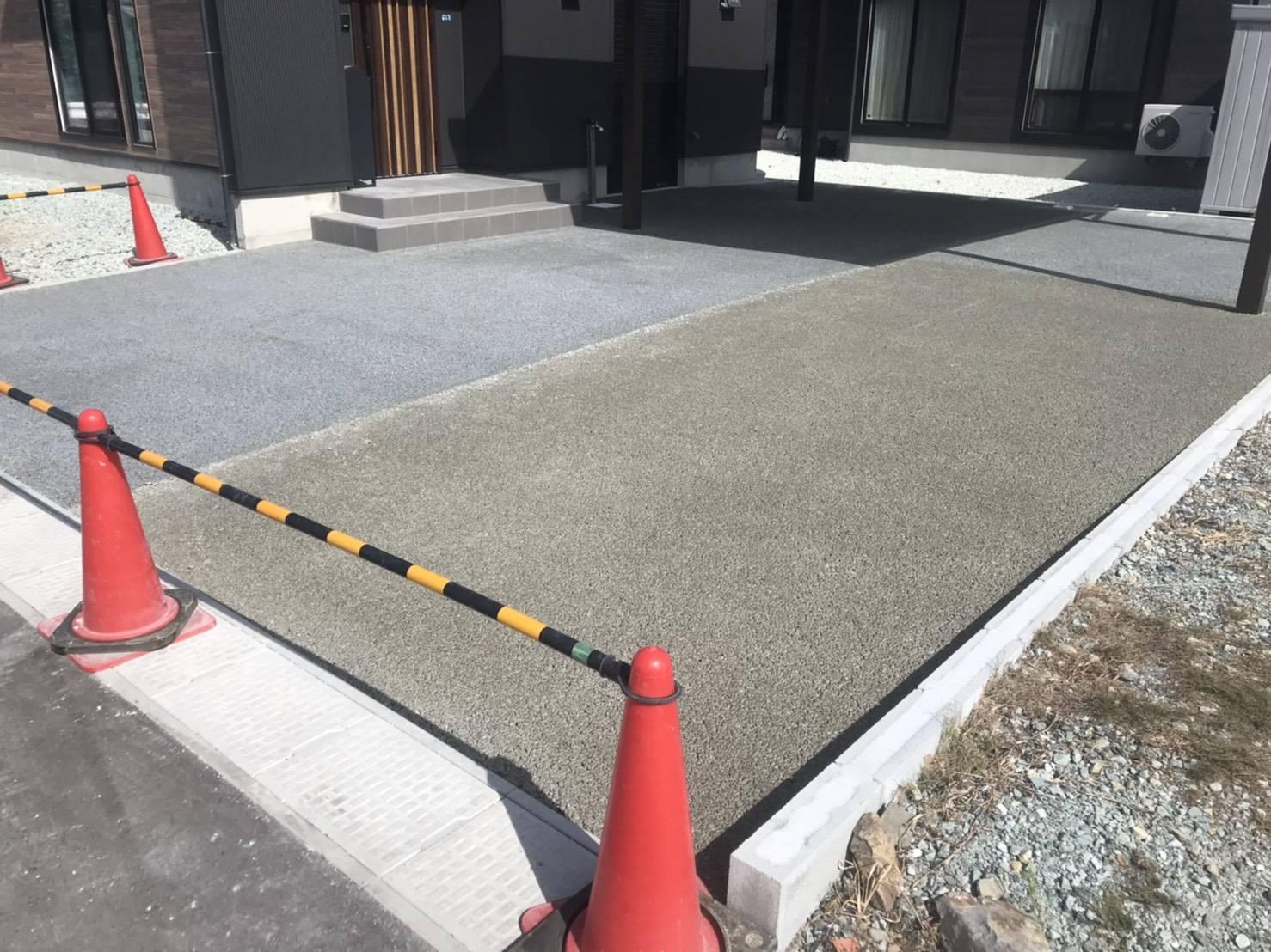真っ白いはずのコンクリートに発生する色ムラの原因って?