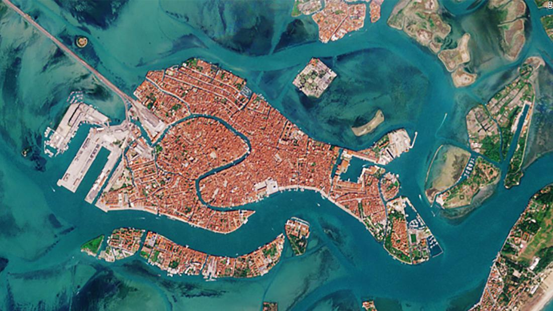 venetian-lagoon-traffic-2020-super-1692.jpg